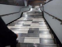 Escaleras del subterráneo - escaleras del metro Fotografía de archivo libre de regalías