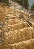 Escaleras descendentes Fotografía de archivo