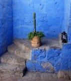 Escaleras en el monasterio de Arequipa Fotos de archivo libres de regalías