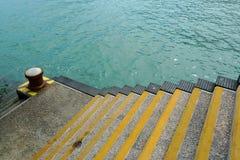 Escaleras en el muelle de transbordador Imágenes de archivo libres de regalías