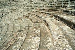 Escaleras en el teatro antiguo de Epidaurus en Grecia Imagen de archivo