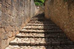 Escaleras en la ciudad vieja Pocitelj Imagenes de archivo