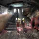 Escaleras en un complejo abandonado Fotos de archivo libres de regalías