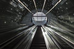 Escaleras futuristas del sistema del subterráneo de Varsovia Imagen de archivo libre de regalías