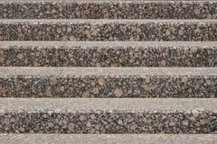 Escaleras hechas del granito rojizo imágenes de archivo libres de regalías