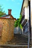 Escaleras hermosas por el lago Ohrid Fotos de archivo libres de regalías