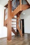 Escaleras interiores de madera Foto de archivo
