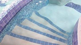 Escaleras a la piscina almacen de video