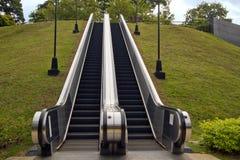 Escaleras móviles al aire libre en el parque de enlatado de la colina de la fortaleza Fotografía de archivo
