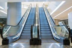 Escaleras móviles de la alameda de compras Fotografía de archivo