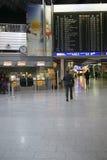 Escaleras móviles en el aeropuerto Fotografía de archivo libre de regalías