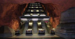 Escaleras móviles en el subterráneo de Estocolmo Fotos de archivo