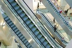 Escaleras móviles en la alameda Imágenes de archivo libres de regalías