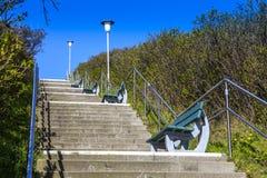 Escaleras - manera a través de la vegetación genérica en Sylt Imagenes de archivo