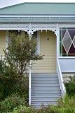 Escaleras para contener el pórtico Fotografía de archivo libre de regalías