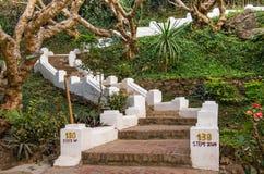 Escaleras para montar Phou Si - Luang Prabang, Laos foto de archivo libre de regalías