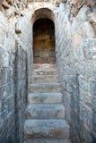 Escaleras pedregosas viejas Imágenes de archivo libres de regalías
