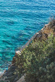 Escaleras que llevan abajo a las aguas de la laguna y de mar de la turquesa, Turquía Fotografía de archivo libre de regalías