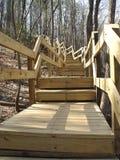 Escaleras que suben Imagenes de archivo