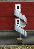 Escaleras redondas de la casa de los mineros en Svalbard Imagenes de archivo