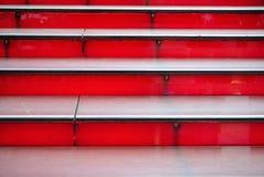Escaleras rojas Imágenes de archivo libres de regalías