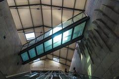 Escaleras a una estación de tren Foto de archivo libre de regalías
