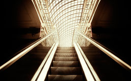 Escaleras vacías de la escalera móvil Fotos de archivo