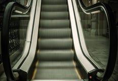 Escaleras vacías de la escalera móvil Fotografía de archivo libre de regalías
