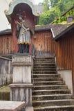 Escaleras viejas en el centro histórico de Salzburg fotografía de archivo