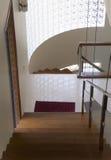 Escaleras y zona de aterrizaje Foto de archivo libre de regalías