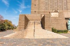 Escalier à l'entrée au monument de Voortrekker dans le Pretor photo libre de droits