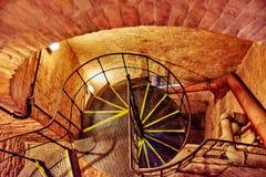 Escalier circulaire dans la vieille tour dans la basilique de StStephen dans Budape Photo stock