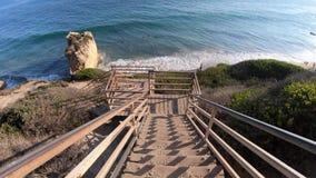 Escalier d'EL Matador Beach banque de vidéos
