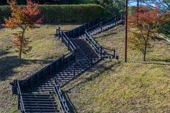 Escalier dans le jardin au Japon Photos stock