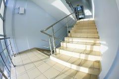 Escalier de bureau (instantané de fisheye) Photographie stock libre de droits