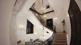 Escalier de fer travaillé banque de vidéos