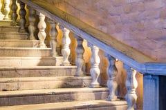 Escalier de marbre blanc Photos stock