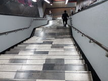 Escalier de souterrain - escaleras de metro Photos libres de droits