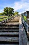 Escalier en bois amenant images libres de droits