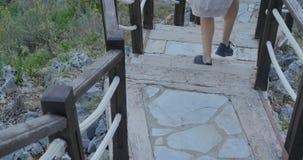 Escalier en bois extérieur banque de vidéos