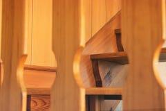 Escalier en bois Photo abstraite d'un escalier photographie stock libre de droits