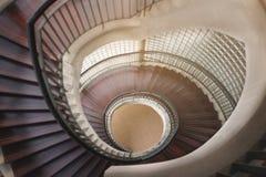 Escalier en bois spiralé Escalier circulaire image libre de droits