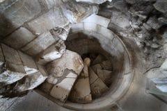Escalier en pierre spiralé. Photo stock