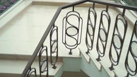 Escalier en spirale à l'intérieur de la salle banque de vidéos