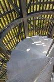 escalier en spirale à travers la manière photos libres de droits