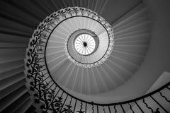 Escalier en spirale de fleur images libres de droits