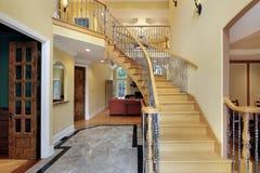 escalier incurvé de foyer photographie stock libre de droits