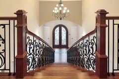 Escalier menant au foyer photos stock