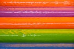 Escalier mol coloré par fond jouant des enfants images libres de droits