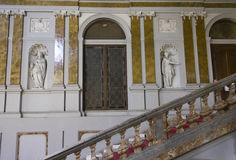 Escalier monumental de Palazzo Arese Litta à Milan photographie stock libre de droits